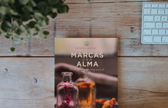 Annie-Spratt_Libro_Marcas-con-Alma